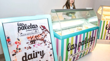 Colourful and neat Ice Cream Display Freezer by Las Paletas