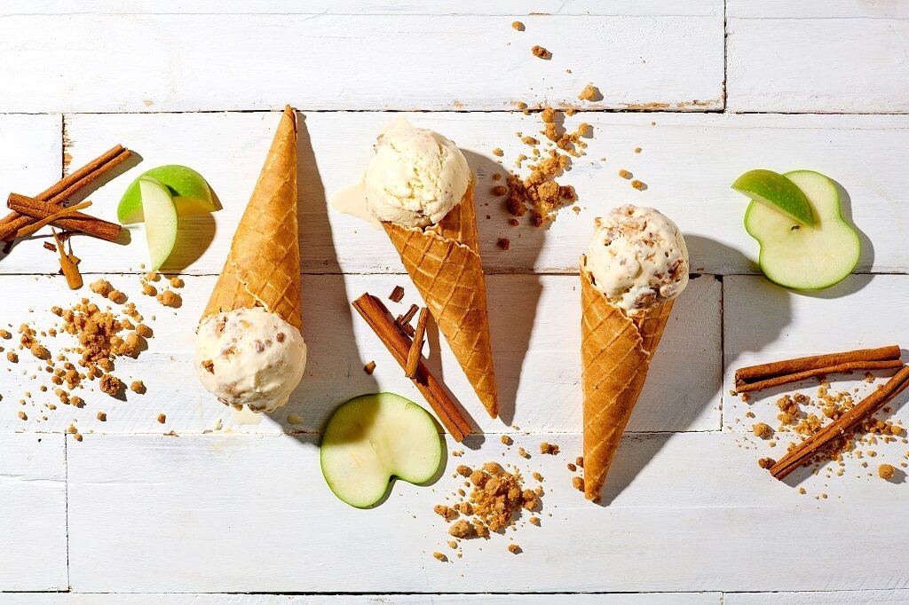 Crunchy Apple Crumble ice cream by Las Paletas